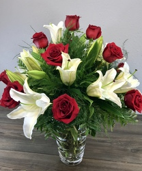 Laguna Crystal Rose and Oriental Lily Flower Power, Florist Davenport FL