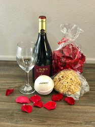 Deluxe Pamper Party with Red Wine Flower Power, Florist Davenport FL