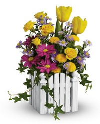 Picket  Fence Bouquet Flower Power, Florist Davenport FL